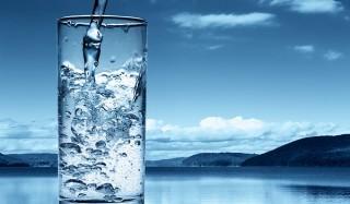 Нужно ли выпивать по 2 литра воды в день?